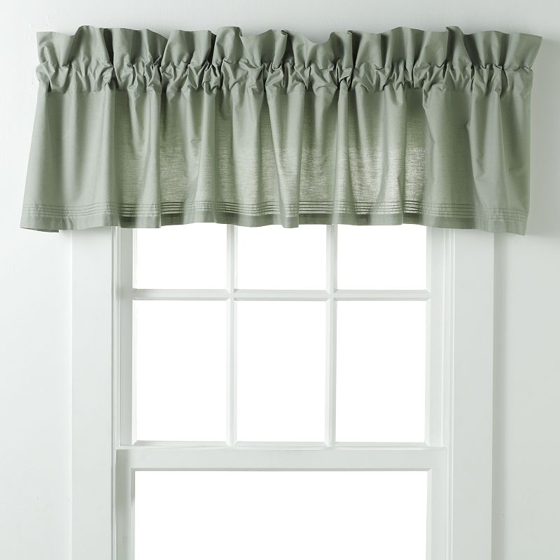 laura ashley lifestyles sophia blouson window valance 86 x 18 dealtrend. Black Bedroom Furniture Sets. Home Design Ideas
