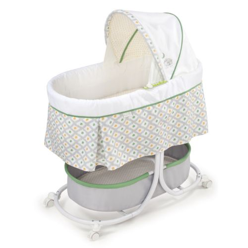 Summer Infant Soothe and Sleep Motion Bassinet