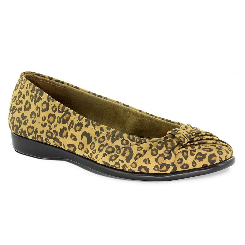 Easy Street Giddy Women's Ballet Flats