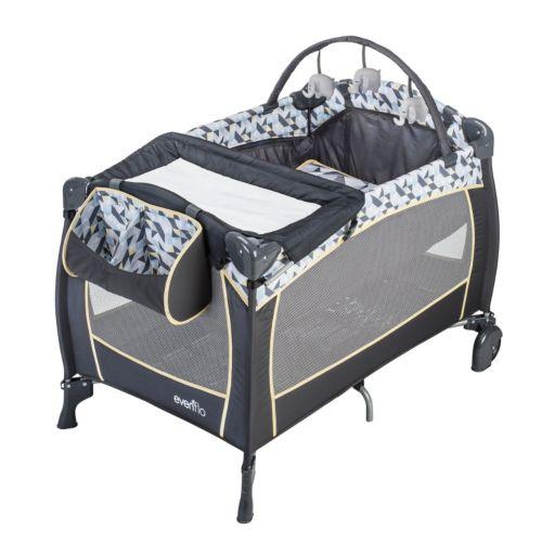 Evenflo Portable Babysuite Deluxe Playard