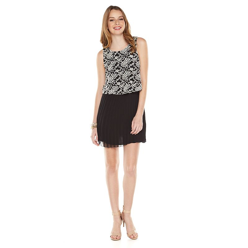 Juniors' Speechless Sleeveless Lace Chiffon Dress