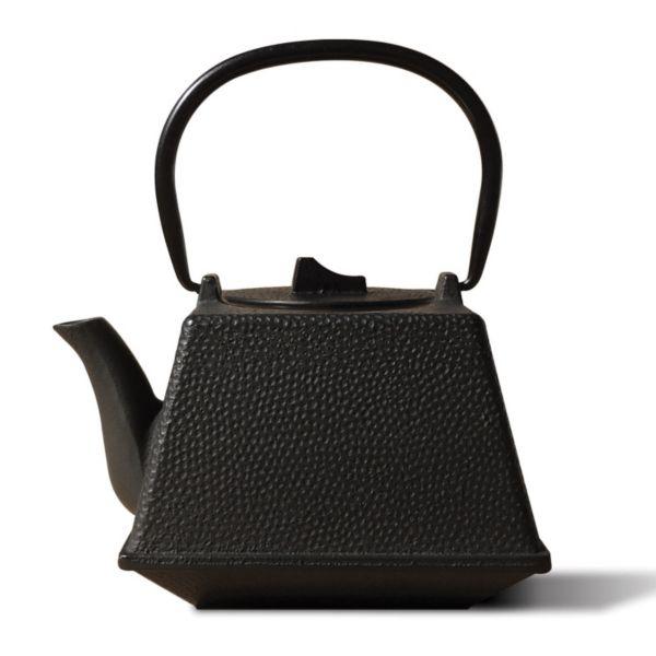 Old Dutch Unity 29-oz. Cast-Iron Teapot