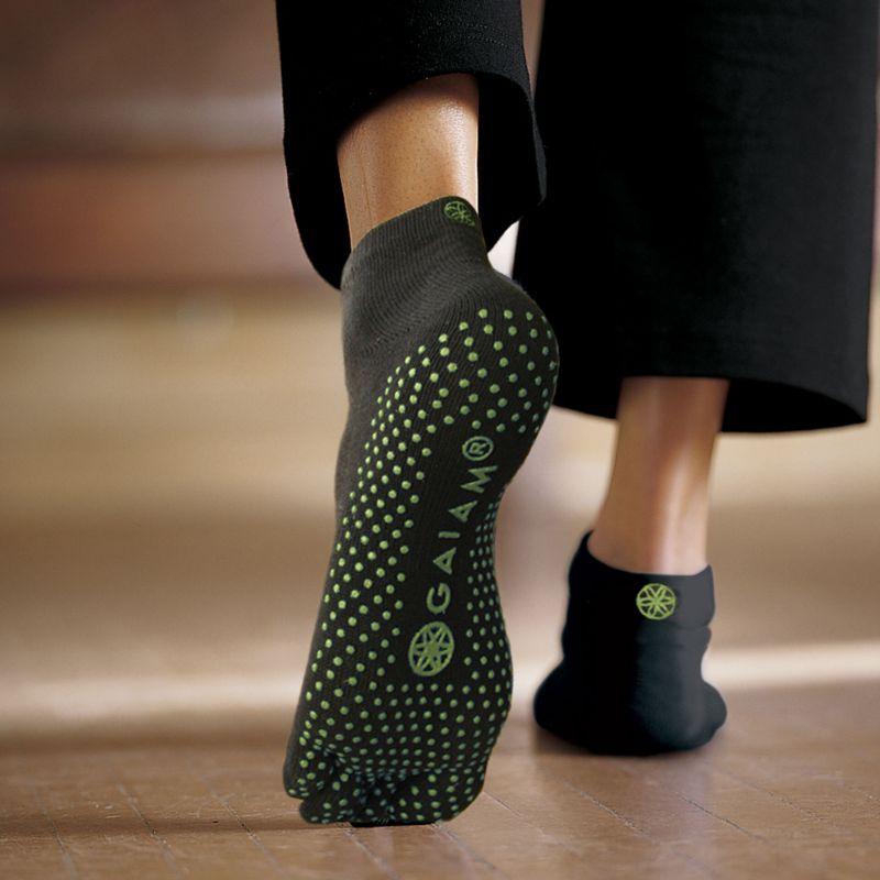 Gaiam Grippy Yoga Socks, S/M, Fern Green, 1 pr 95807273