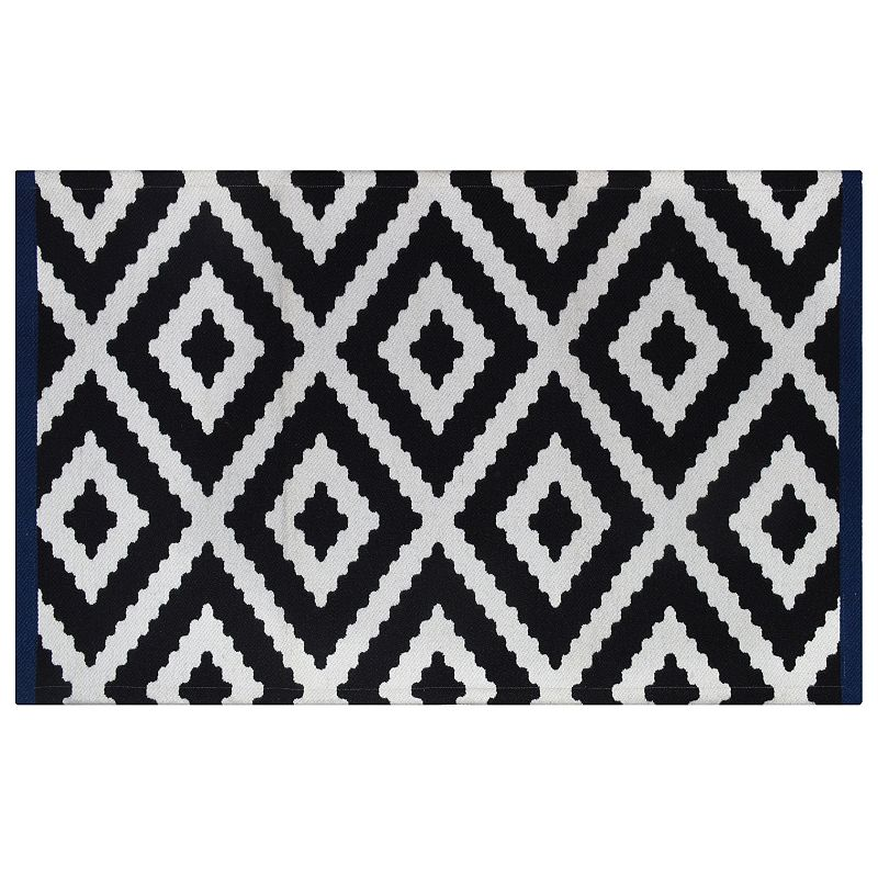 SONOMA Goods for Life™ Jagged Diamond Geometric Indoor Outdoor Rug