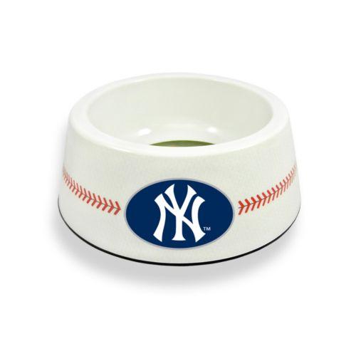 GameWear New York Yankees Classic Baseball Pet Bowl