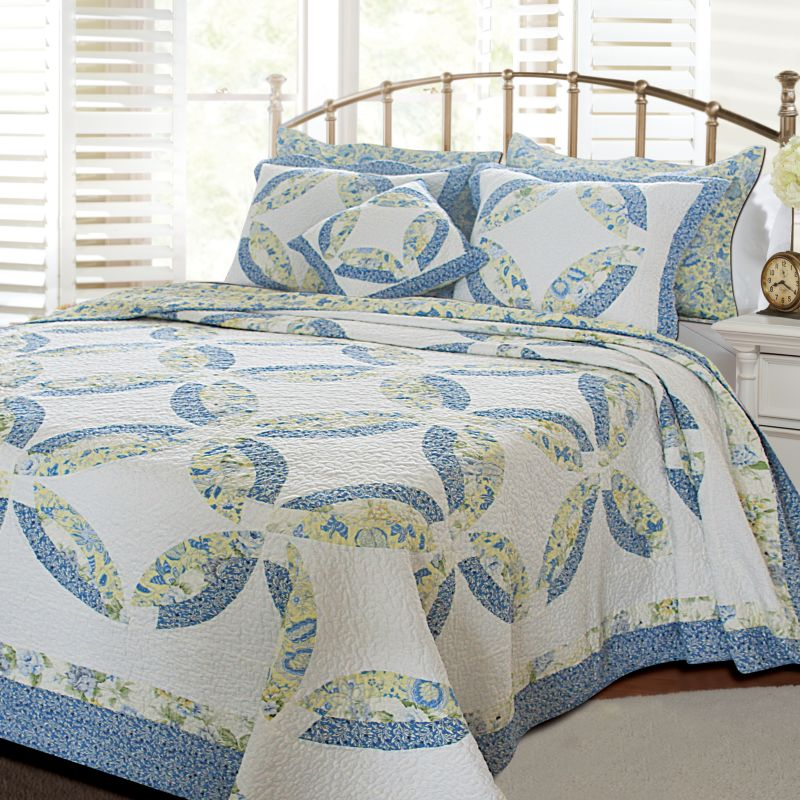 Francesca Reversible Quilt Set