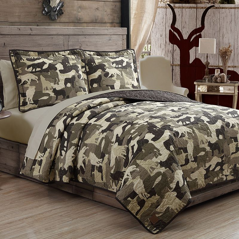 Field and Stream Wolf Camo Quilt Set