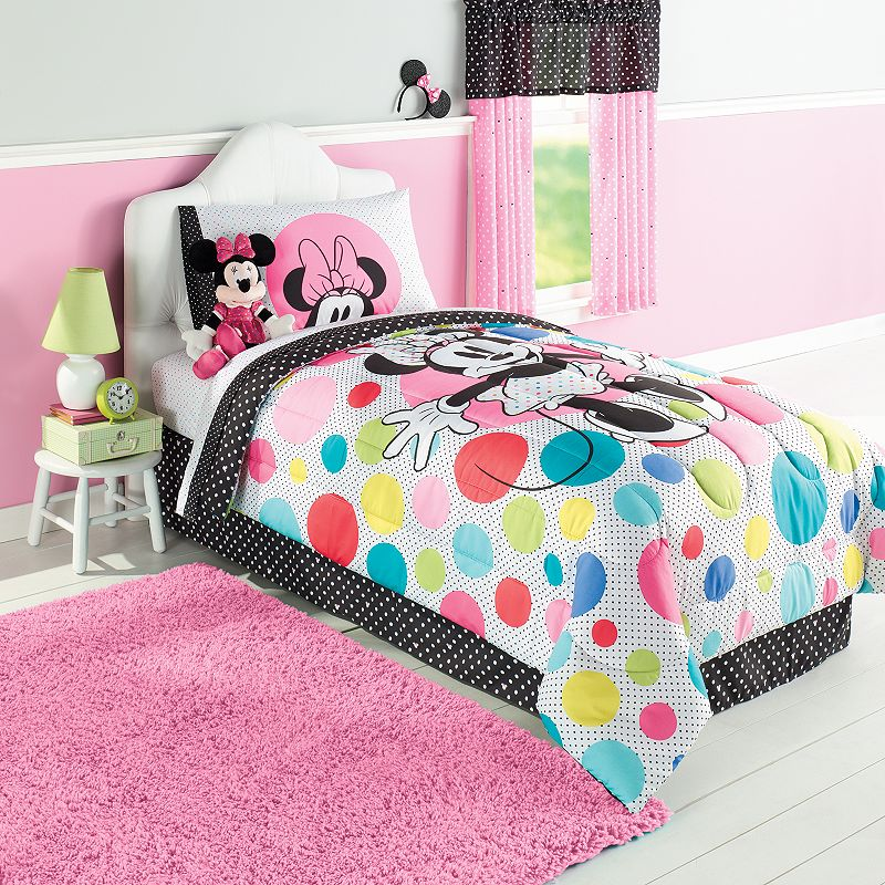 Disney's Minnie Mouse Reversible Comforter - Twin