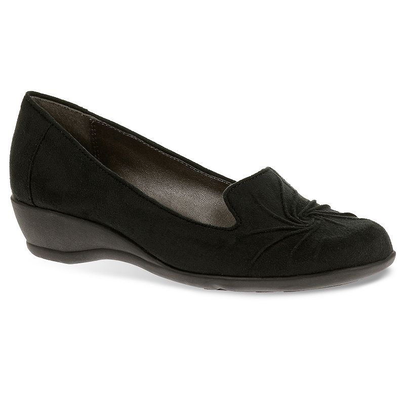Soft Style by Hush Puppies Rory Women's Pleated Wedge Loafers