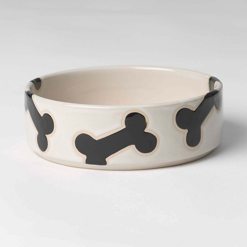 PetRageous Designs 2.5-Cup Slicker Bones Pet Bowl