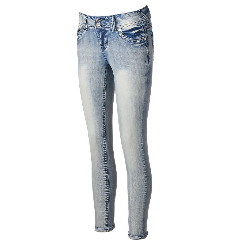 Juniors' Wallflower Curvy Skinny Heavy Fade Jeans