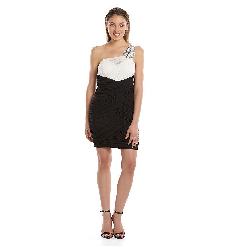 Juniors' City Triangles Asymmetrical Body Con Dress