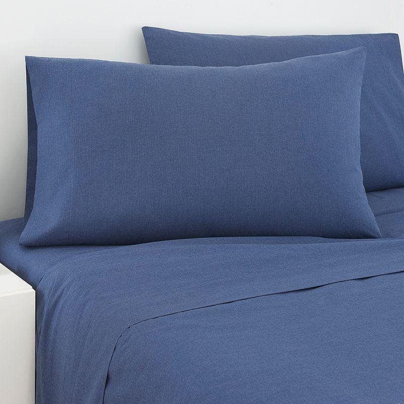 IZOD Cross Dye Pillowcase - Standard