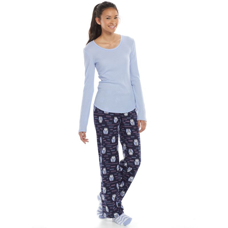 Complete her nighttime wardrobe with juniors pajamas from Kohl's! She will rest easy with a PJ set from our wide variety of juniors sleepwear. For an option that includes all she needs for a good night's sleep, check out our line of juniors pajama sets.