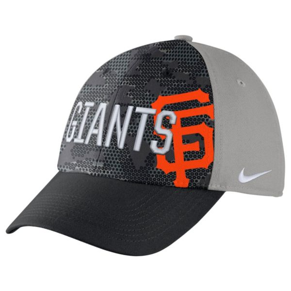 Adult Nike San Francisco Giants Woodland Camo Classic Flex Cap