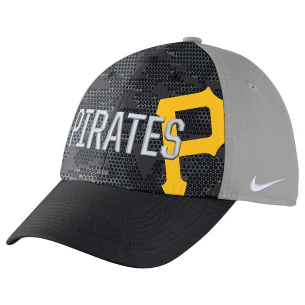 Adult Nike Pittsburgh Pirates Woodland Camo Classic Flex Cap