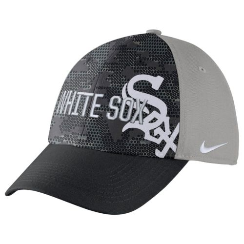 Adult Nike Chicago White Sox Woodland Camo Classic Flex Cap
