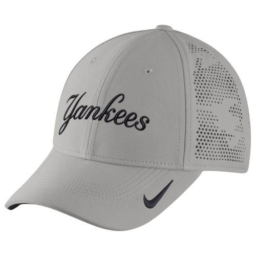 Adult Nike New York Yankees Vapor Classic Stretch-Fit Cap