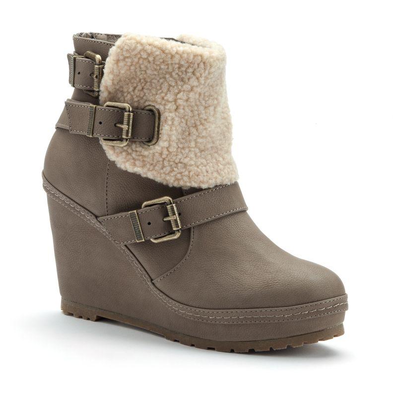 unionbay apreski s buckled wedge boots dealtrend