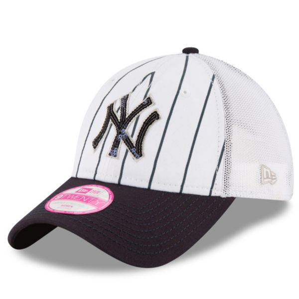 Women's New Era New York Yankees 9TWENTY Truck Lust Snapback Cap