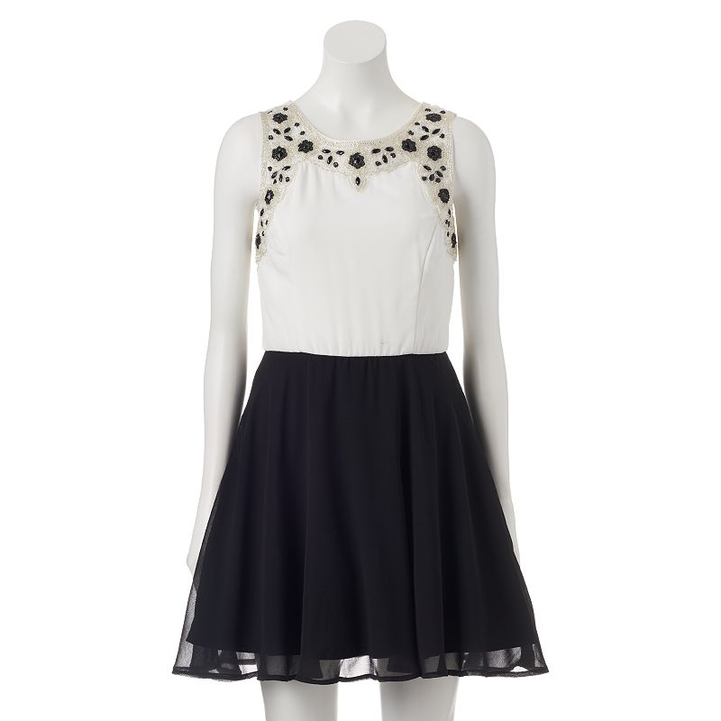 Juniors' Lily Rose Beaded Neck Skater Dress
