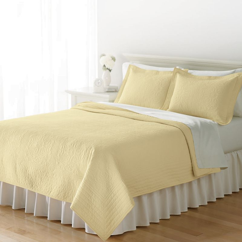 Home Classics® Anna Yellow Floral Quilt