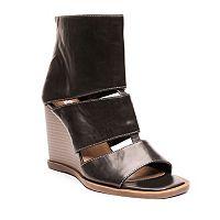 2 Lips Too Too Tai Women's Wedge Sandals