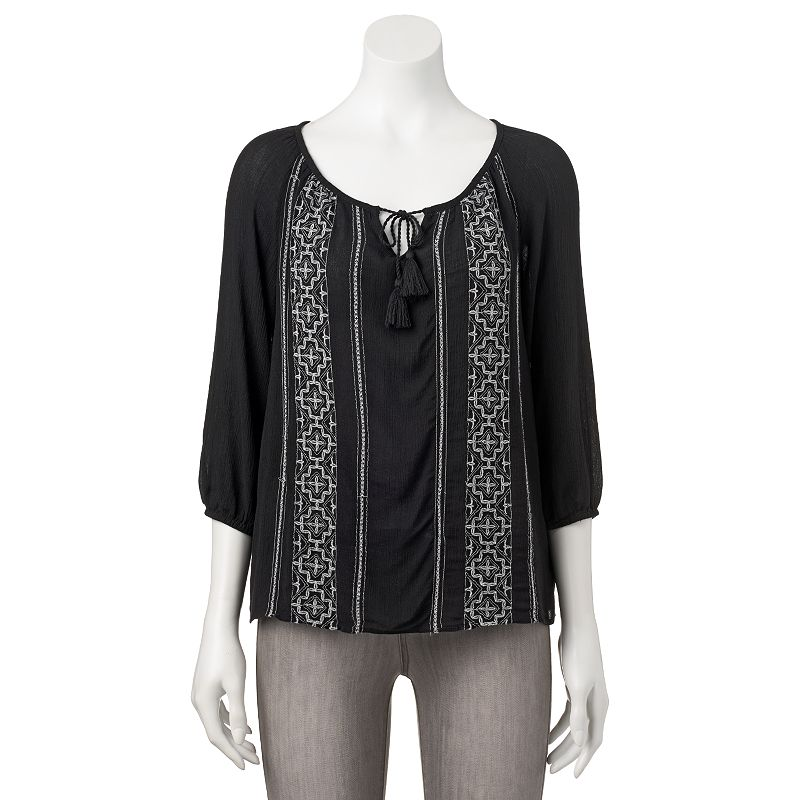 Juniors' Mudd® Embroidered Peasant Top