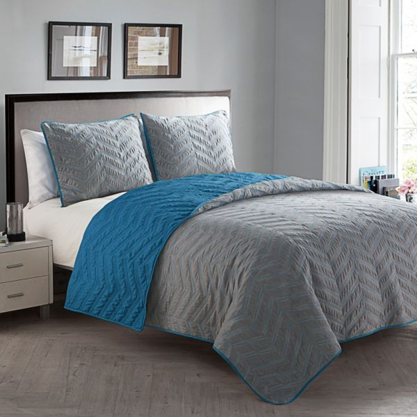 VCNY Lisbon 3-piece Embroidered Queen Quilt Set