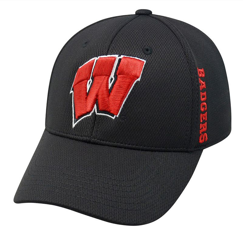 Adult Top of the World Wisconsin Badgers Booster One-Fit Cap