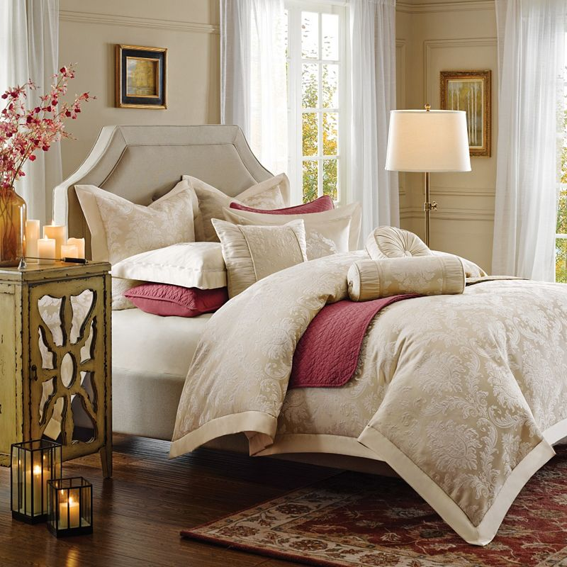 Hampton Hill Candlelight Bed Set