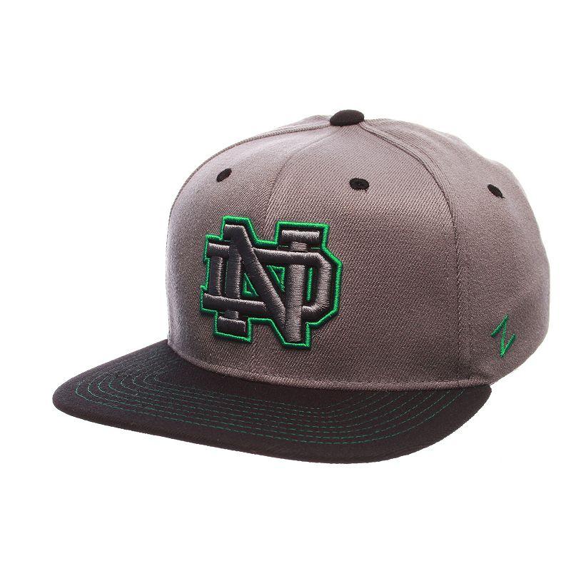 Adult Notre Dame Fighting Irish Nebulous Stretch-Fit Cap