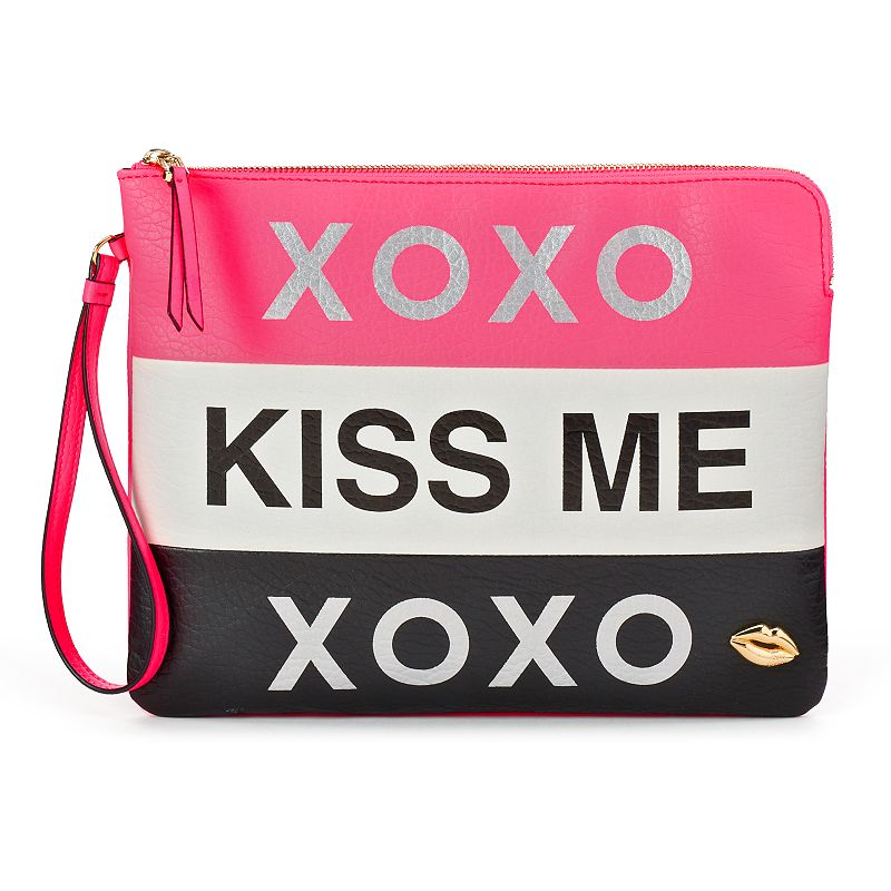 Juicy Couture ''XOXO Kiss Me'' Wristlet