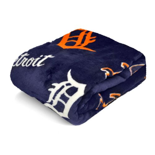 Detroit Tigers Plush Throw