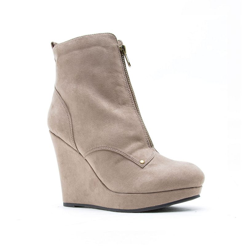 Qupid Women's Wedge Ankle Boots