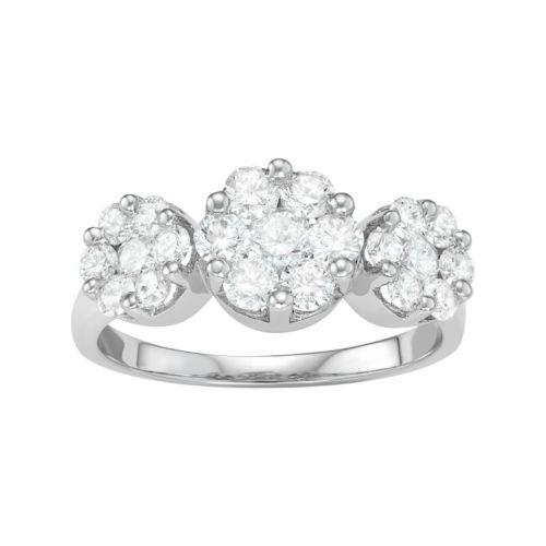 14k White Gold 1 5/8 Carat T.W. Diamond Cluster Ring
