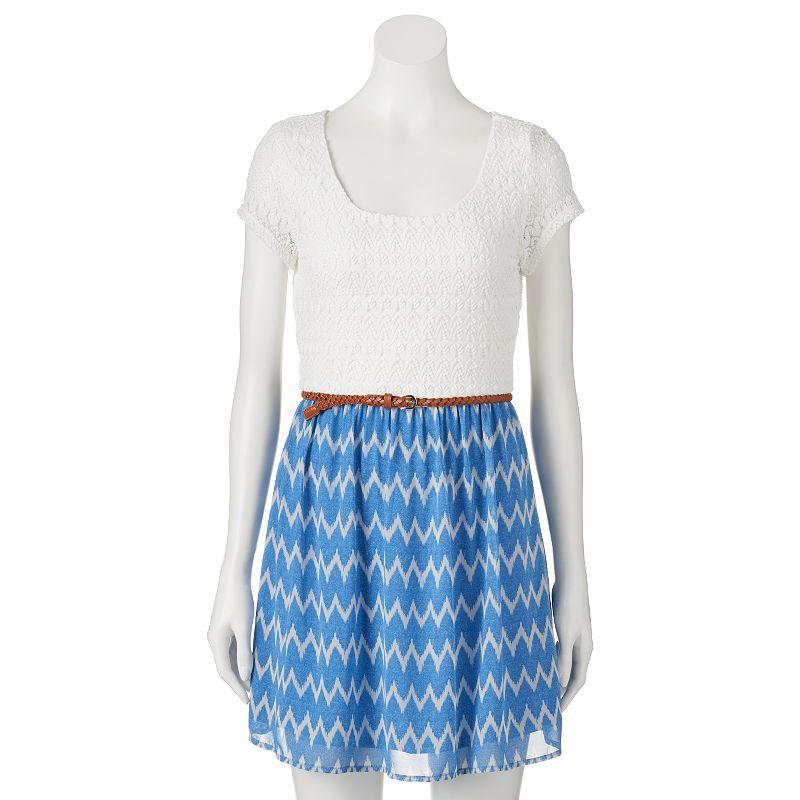 Juniors' Lily Rose Lace & Chiffon Dress