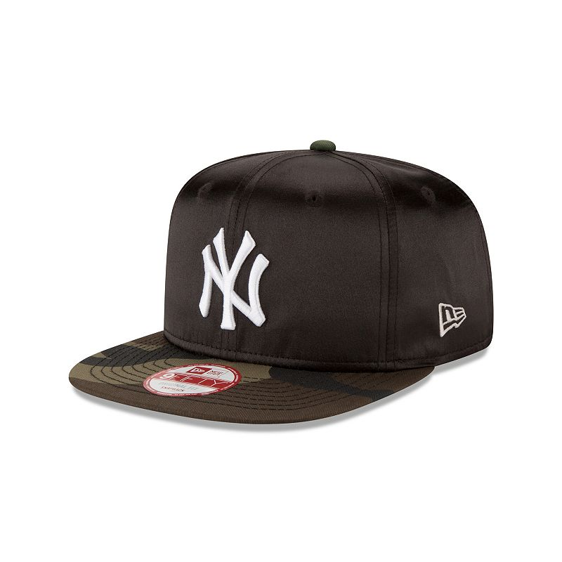 Adult New Era New York Yankees 9FIFTY Satin Crowner Snapback Cap