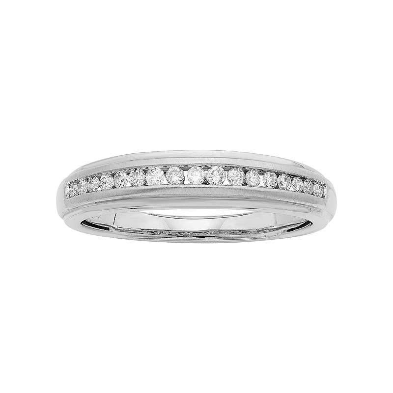 Men's 14k Gold IGL Certified 1/4 Carat T.W. Diamond Wedding Band