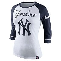 Women's Nike New York Yankees Raglan Tee
