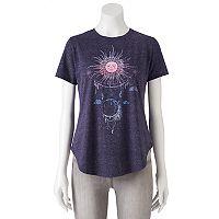 Juniors' Sun & Moon Shirttail Graphic Tee