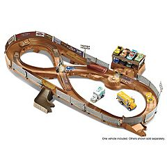 Disney/Pixar Cars 3 Thunder Hollow Criss-Cross Track Set by Mattel by
