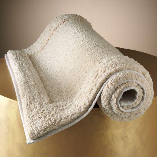 Jennifer Lopez Solid Bath Rug - 23'' x 38''