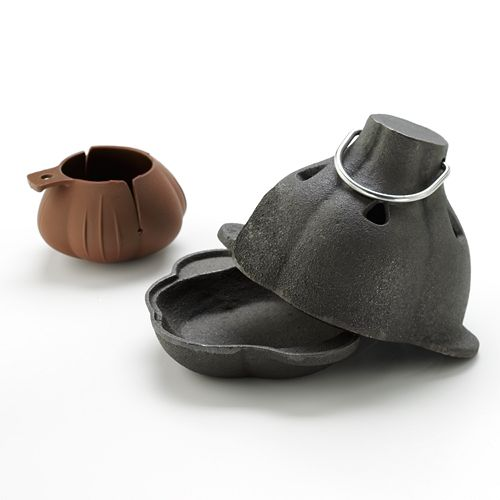 Charcoal Companion Cast-Iron Garlic Roaster And Squeezer Set