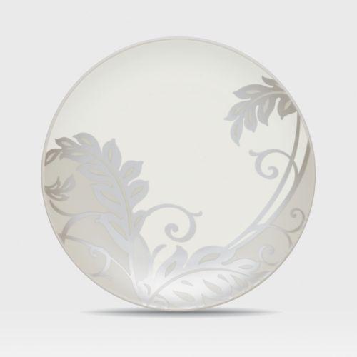 Noritake Colorwave Cream Plume Accent Plate
