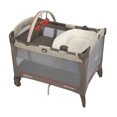 Graco Pack 'n Play Play Yard with Reversible Napper and Changer - Forecaster