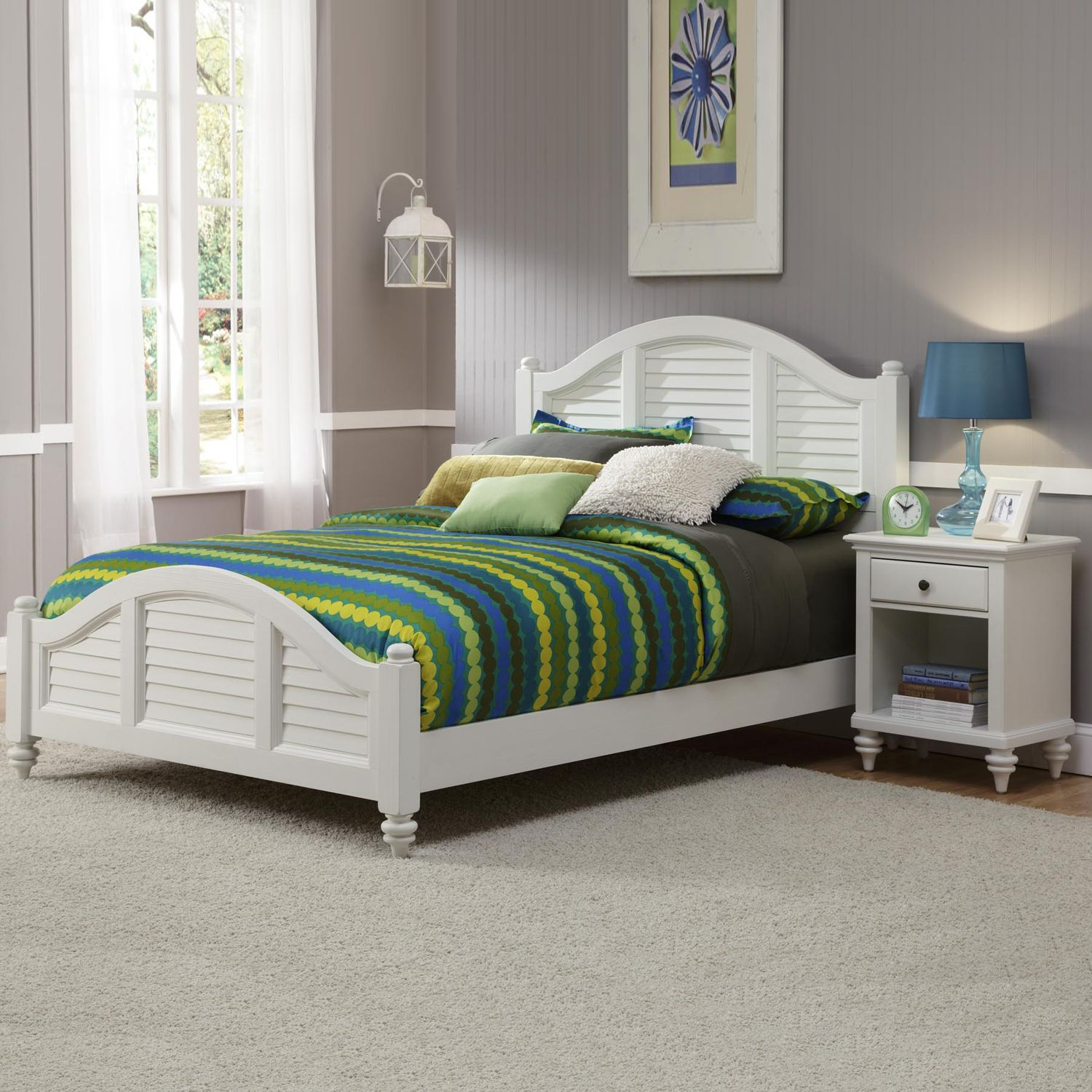 Good Home Styles Bermuda White Queen Bed and Nightstand