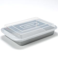 Farberware 9'' x 13'' Covered Cake Pan