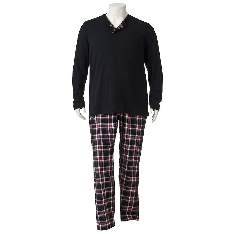 With big and tall pajamas, you can enjoy sleepwear that is specially designed for bigger builds and longer torsos, arms and legs. Sears' selection of men's big and tall sleepwear includes both big and tall robes and pajama sets so that everyone has something comfortable to lounge about in.