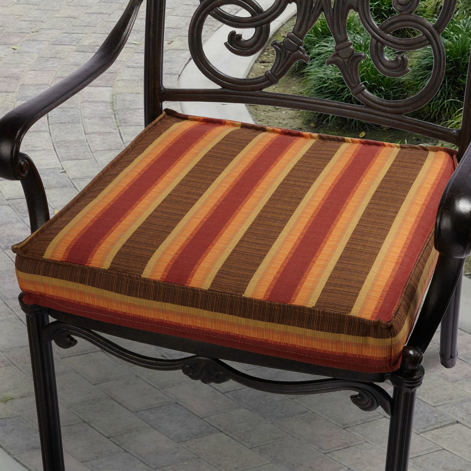Attirant Red Striped Outdoor Chair Cushion